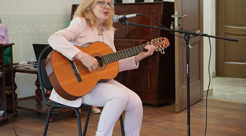 «СуперБабушка» из Орехова-Борисова отправится на окружной конкурс талантов